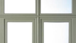 Estil Romàntic en finestres i portes.